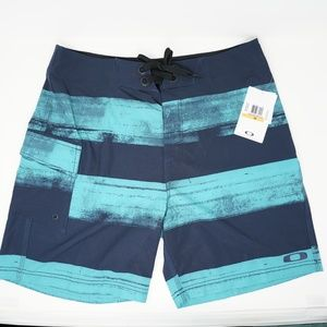 "NWT Oakley Swim Trunks Board Shorts 19"" 33"